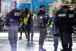 Gilets jaunes - France: 34 personnes placées en garde à vue préventivement