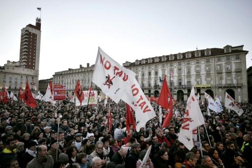 Des dizaines de milliers de manifestants à Turin contre la liaison avec Lyon