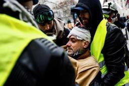 Gilets jaunes - Plus de 100 blessés pris en charge à Paris