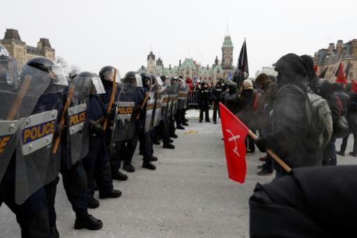 Ottawa: manifestation tendue contre le pacte de l'ONU sur les migrations