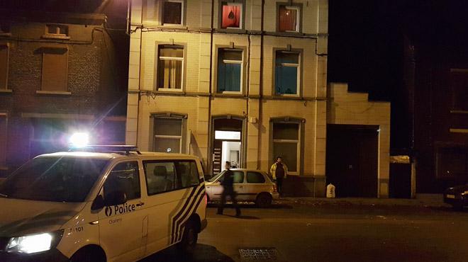 Dampremy: un homme se barricade chez lui et menace de mettre le feu