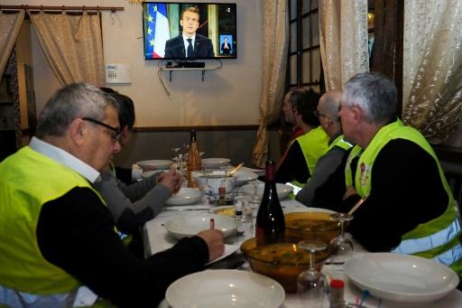 Gilets jaunes : Macron réoriente sa politique vers le pouvoir d'achat