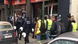 DIRECT gilets jaunes à Bruxelles- les manifestants, encadrés par de nombreux policiers, se dirigent vers Arts-Loi 4
