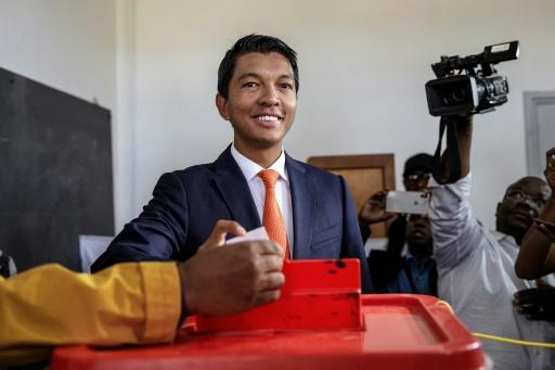 Madagascar: Rajoelina en tête devant Ravalomanana, selon un décompte partiel