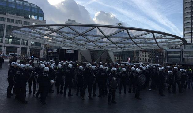 Important déploiement de policiers à Rogier: 2 arrestations dont 1 judiciaire lors du rassemblement des gilets jaunes
