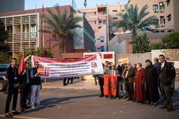 Des centaines de Marocains manifestent leur solidarité avec les victimes