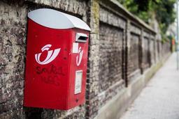 Les boites aux lettres rouges disparaîtront surtout en ville