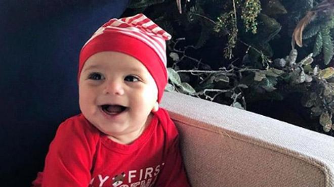 Un craquant bébé Père Noël: de quelle star est-il le fils?