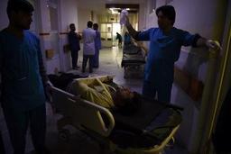 Attaque en cours dans un complexe gouvernemental à Kaboul