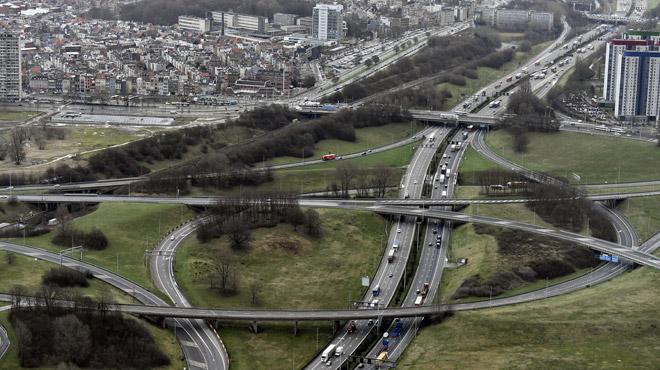 Les routes flamandes bientôt toutes soumises à une taxe kilométrique ?