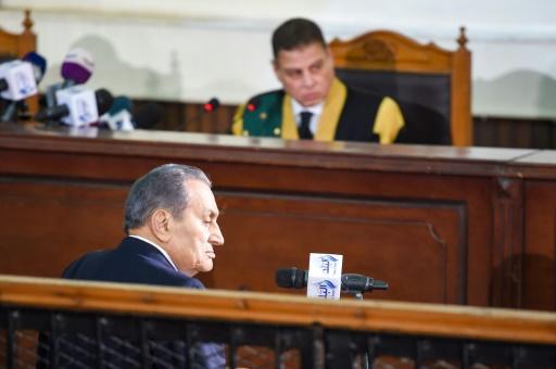 Egypte: Moubarak demande l'