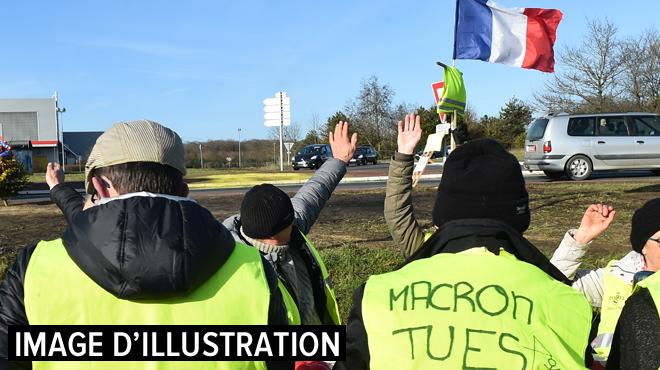 Des gilets jaunes tentent d'investir la résidence d'été d'Emmanuel Macron: