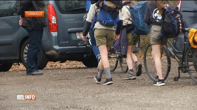 Un scout de 15 ans meurt percuté par un train en Flandre: il avait quitté le camp en début de soirée à vélo