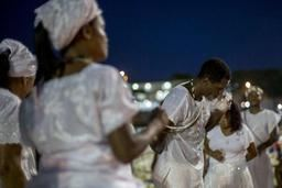 Rio de Janeiro glisse vers 2019 en musique et en danse avant le mandat de Jair Bolsonaro