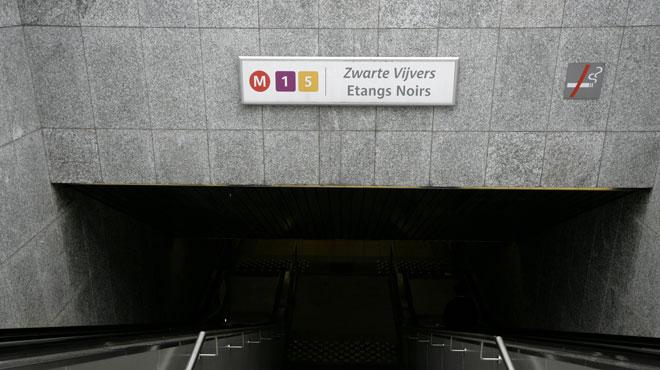 Bruxelles: la station de métro Etangs Noirs fermée sur ordre de police