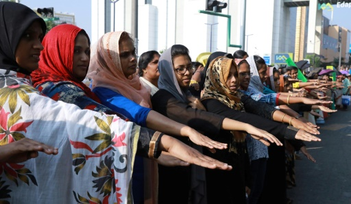 Inde : chaîne humaine pour autoriser les femmes à entrer dans un temple