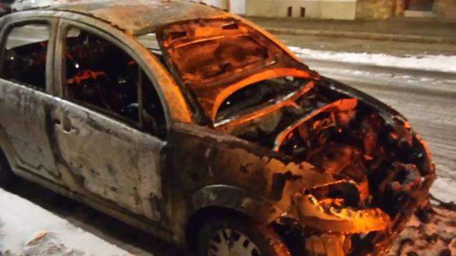 Voiture incendiée, cocktail Molotov lancé à l'intérieur d'un bâtiment: que s'est-il passé à Woluwe-Saint-Pierre mardi soir ?