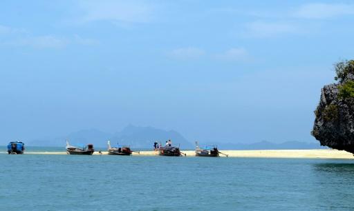 Thaïlande: des milliers de touristes fuient des îles du golfe avant la tempête Pabuk