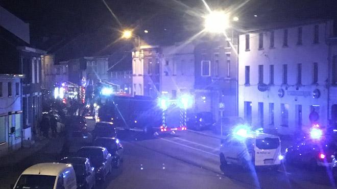 Fontaine-l'Evêque: des débris prennent feu au rez-de-chaussée d'une maison