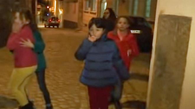 Dans ce petit village portugais, l'Epiphanie rime avec... des enfants fumant des cigarettes
