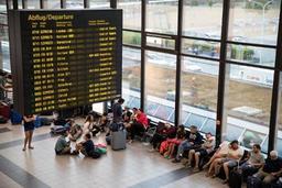 Allemagne: trafic aérien perturbé lundi en raison d'une grève
