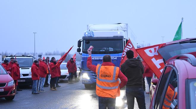 Blocage de la E17 à la frontière française : que s'est-il passé?