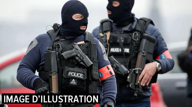 La police et les forces spéciales déployées à Mons: un jeune s'est retranché, il a été arrêté