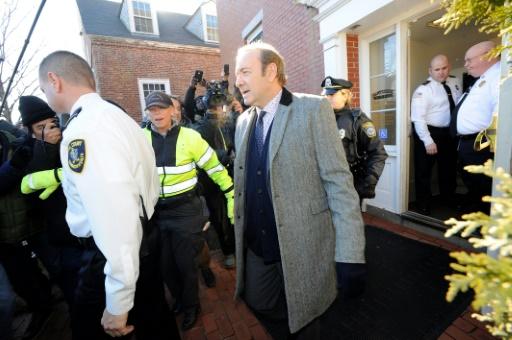 Kevin Spacey inculpé d'agression sexuelle, laissé en liberté sous caution
