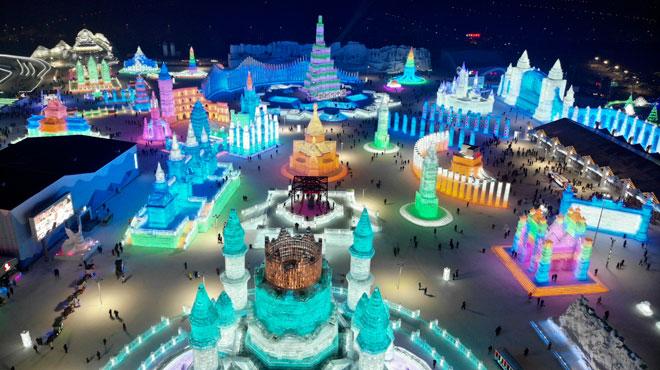 Incroyable: découvrez les immenses sculptures de glace du festival de Harbin