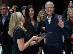 Tim Cook, le PDG d'Apple, obtient une forte augmentation