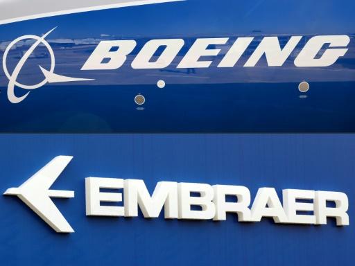 Brésil: le président Bolsonaro ne s'opposera pas à la fusion entre Boeing et Embraer