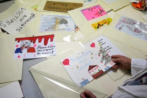 Un mois après l'attentat, Strasbourg archive soigneusement les hommages