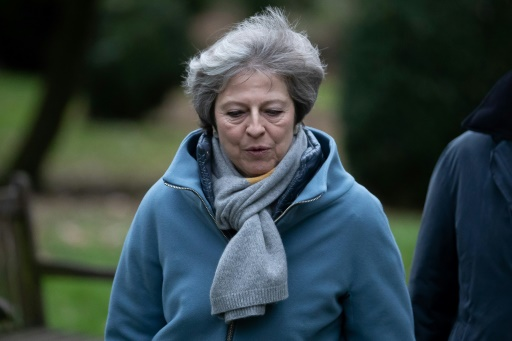 Brexit: May met en garde contre un rejet