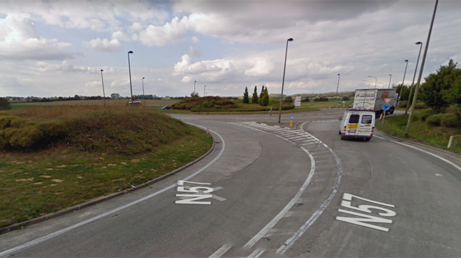 Collision entre deux voitures près d'Ecaussinnes: la N57 fermée dans les deux sens