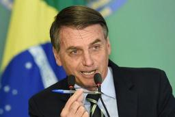 Bolsonaro facilite par décret la détention d'armes à feu au Brésil