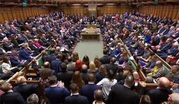 Brexit - Theresa May appelle les députés à