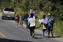 Honduras: un millier de migrants prennent la route des États-Unis
