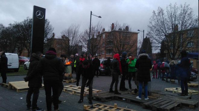 La grève continue chez Mercedes à Woluwe-Saint-Lambert: