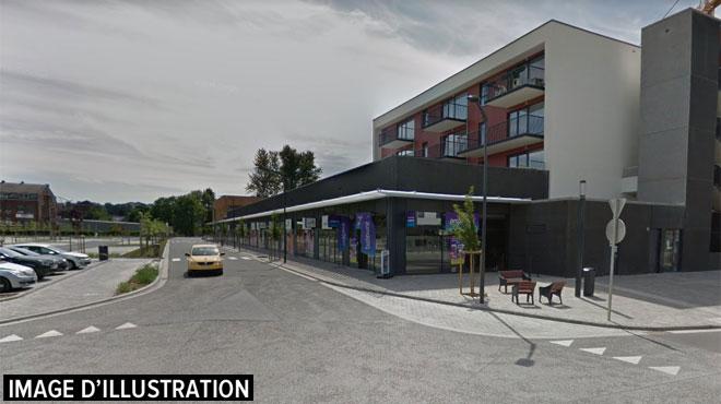 Une boutique de Court-Saint-Etienne attaquée à la voiture-bélier