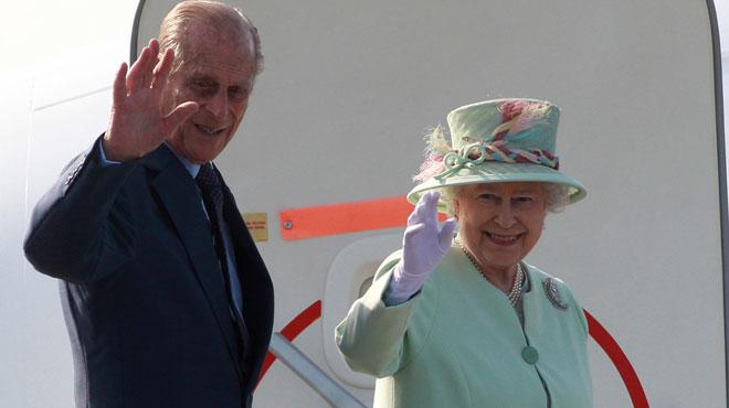 Son mari, le prince Philip, victime d'un accident de voiture — Elizabeth II