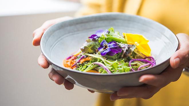 Si on remettait du bon sens dans notre assiette: les conseils d'une nutritionniste pour une alimentation saine et durable