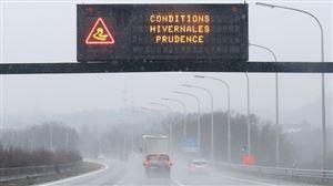 Prudence sur les routes cette nuit: des conditions glissantes et du brouillard givrant sont attendus