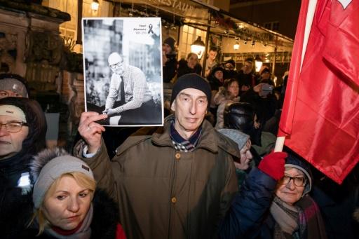 Abasourdie et affligée, la Pologne dit adieu au maire de Gdansk