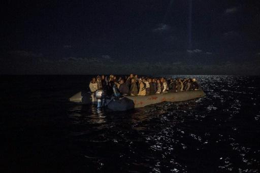 Migrants: au moins 15 disparus en Méditerranée, bilan plus lourd selon des rescapés