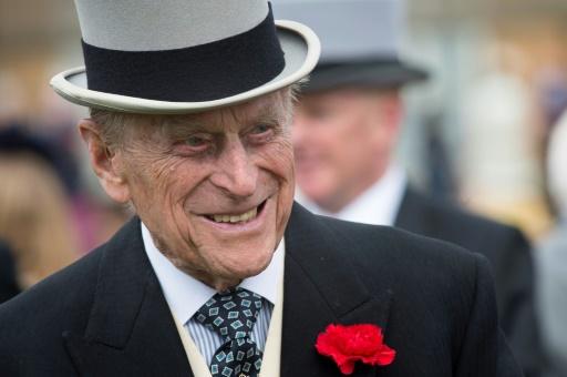 Le prince Philip, 97 ans, de retour au volant - sans ceinture de sécurité