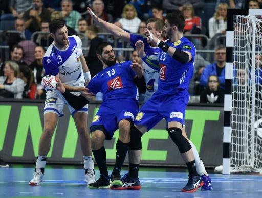 Hand: les Français se rapprochent des demies en battant l'Islande