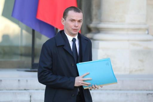 Fonction publique: l'exécutif maintient sa réforme malgré des doutes
