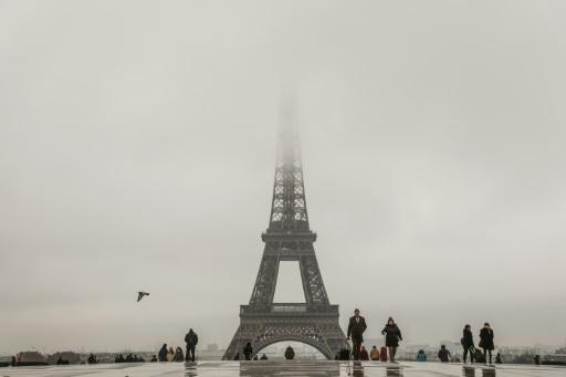 Fermeture de la Tour Eiffel à cause de la neige