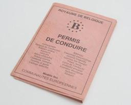 Londres conseille aux Britanniques de Belgique de demander un permis de conduire belge