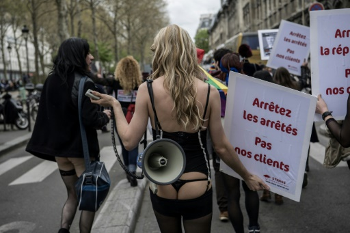 Liberté ou violence? La loi prostitution au crible du Conseil constitutionnel